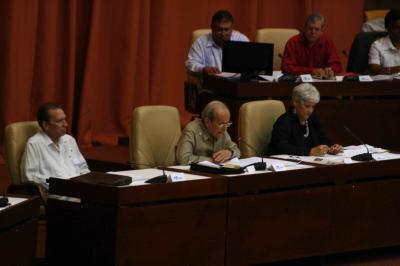 20110801194450-ricardo-alarcon-dio-inicio-a-la-sesion-plenaria-de-la-septima-legislatura-1-.jpg