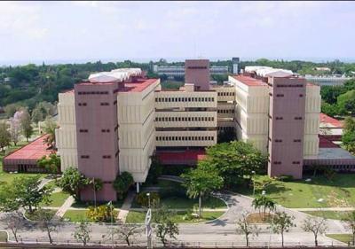 20130518020007-centro-de-ingenieria-genetica-y-biotecnologia-1746-fotografia-g.jpg