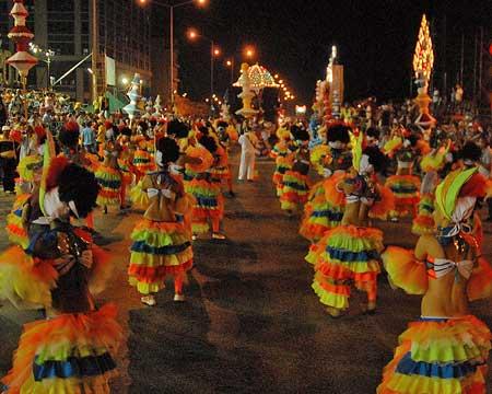 20150804025419-carnaval7.jpg